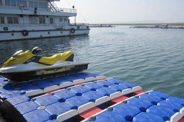 Изграждане на кей за яхти и лодки и джетове