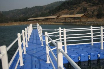понтонен мост